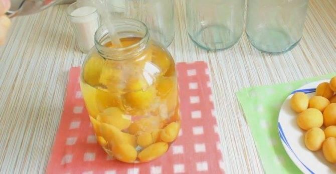 Простые рецепты яблок, консервированных целиком
