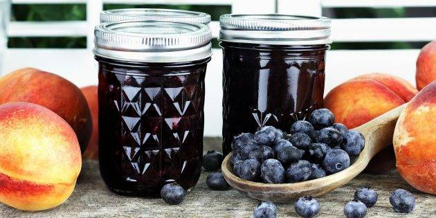 ТОП 2 рецепта приготовления черники с медом без варки на зиму