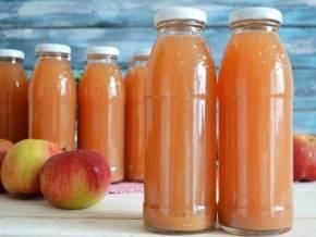 Яблочный сок в домашних условиях. рецепты на зиму, через соковыжималку, соковарку, мясорубку, с мякотью, морковью, тыквой, апельсином