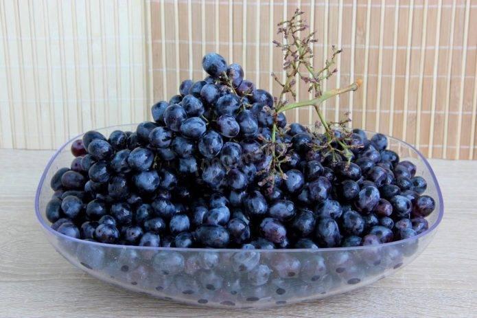 Заготовки из винограда на зиму, рецепты