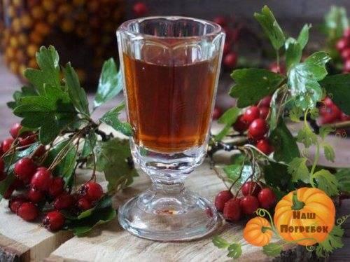 Домашнее вино из ягод боярышника: рецепт с дрожжами и без