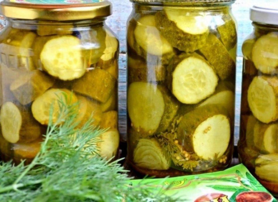 ТОП 15 рецептов засолки из больших огурцов хрустящими кусочками на зиму