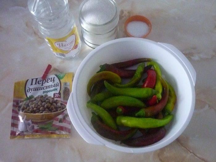 Пошаговый рецепт приготовления горького перца в томате на зиму