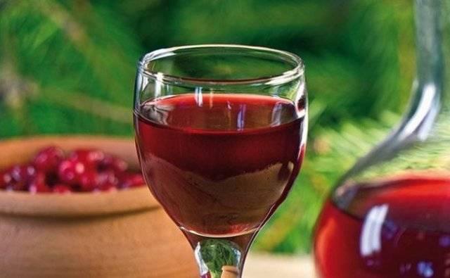 Вино из боярышника: как сделать в домашних условиях, 6 простых рецептов