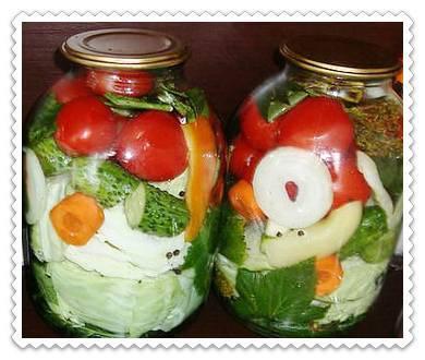 Ассорти из огурцов и помидоров на зиму, самые вкусные рецепты на 1, 2 и 3 литра