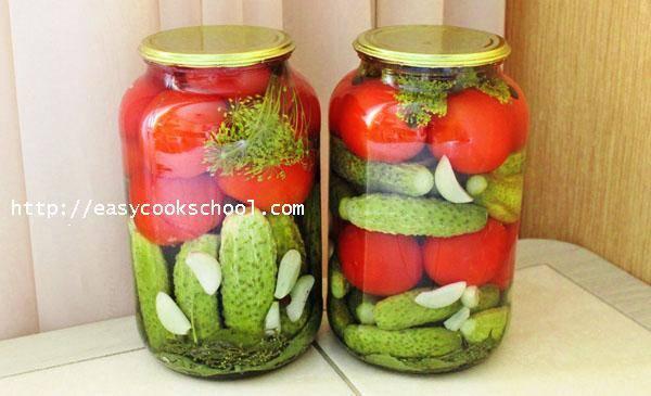Маринованные огурцы и помидоры ассорти на зиму в банках — вкусный, простой рецепт