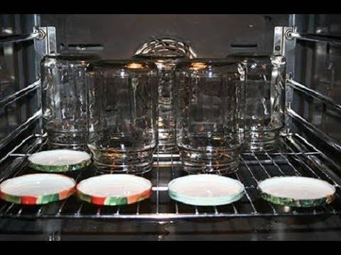 Сколько и как стерилизовать банки в кастрюле с водой пустые и с заготовками