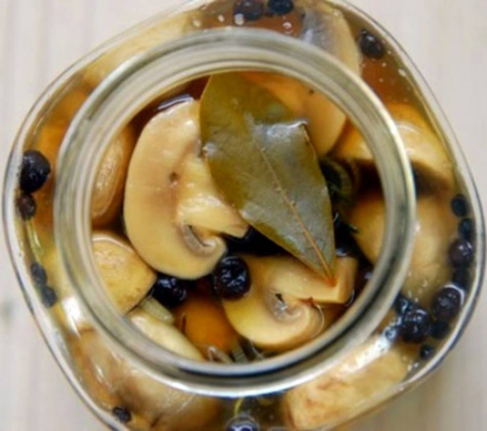 Сколько времени можно хранить маринованные грибы домашнего приготовления, условия и сроки годности