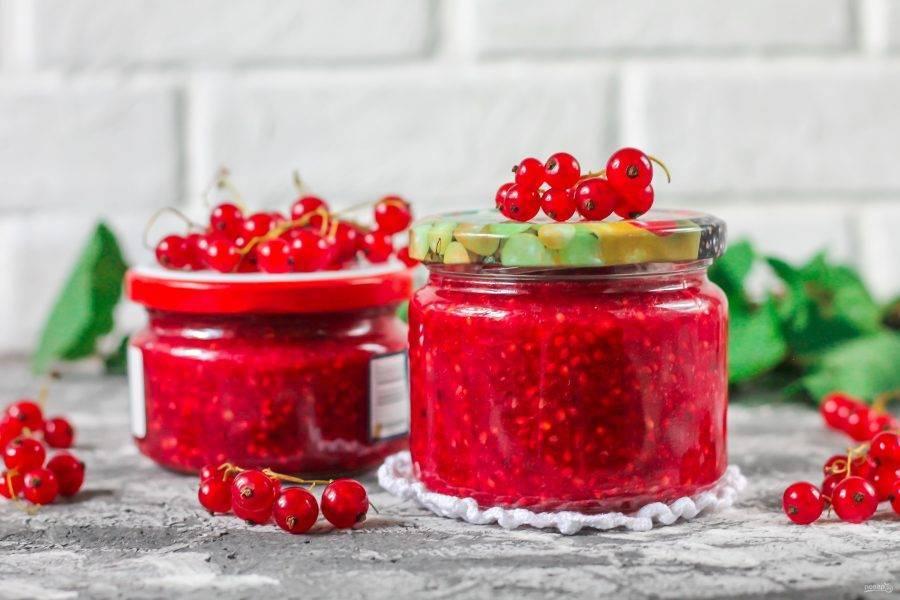 Красная и черная смородина с сахаром без варки на зиму: 9 идеальных рецептов