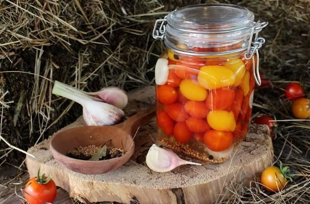 Помидоры с яблоками на зиму без уксуса