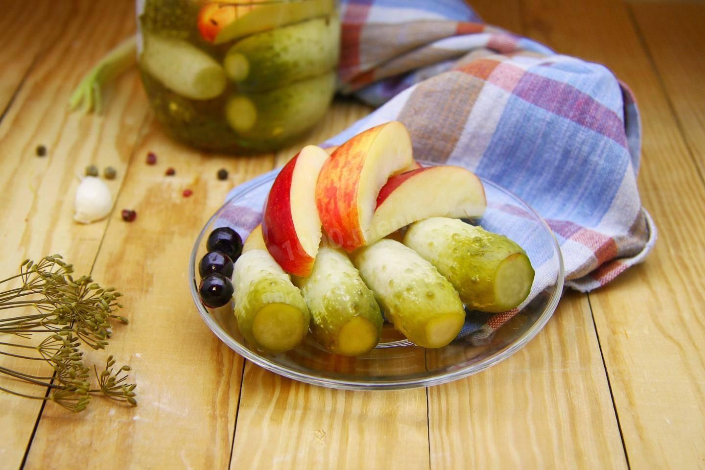 Рецепты консервирования помидоров с яблоками на зиму пальчики оближешь