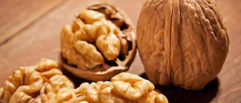 Секреты хранения очищенных грецких орехов дома