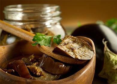 Соленые баклажаны с чесноком и зеленью