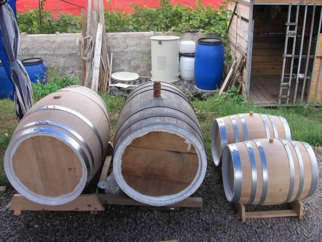Правила хранения вина в дубовой бочке в домашних условиях, особенности выдержки
