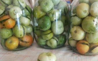 Самые вкусные рецепты маринованных помидоров на зиму в банках: как приготовить и закатать заготовки правильно