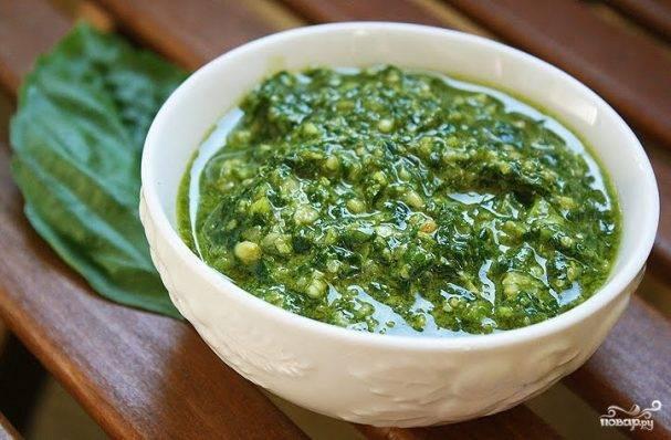 Изысканно, вкусно и просто: что такое соус песто и с чем его едят?