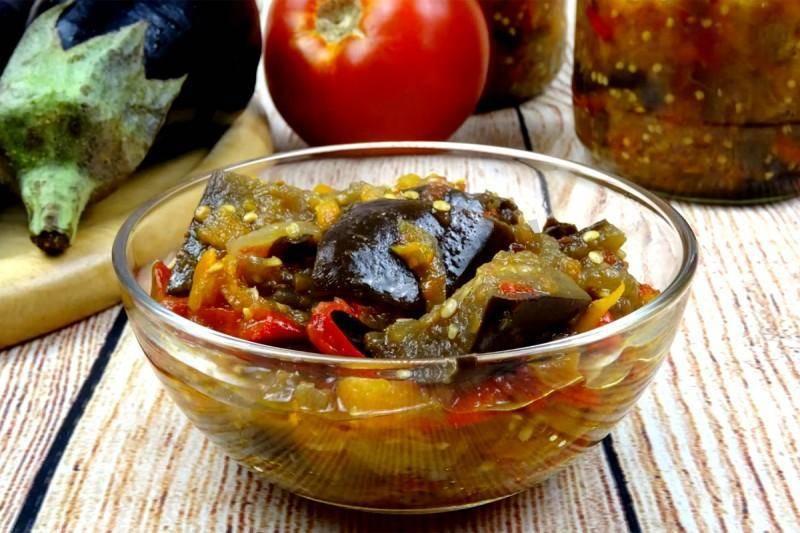 Овощное рагу с кабачками: легкое летнее блюдо на зиму