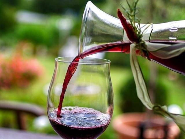 Вино их сухофруктов в домашних условиях – 4 рецепта