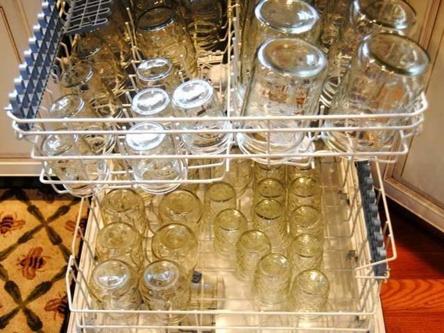 Как стерилизовать и пастеризовать банки в духовке