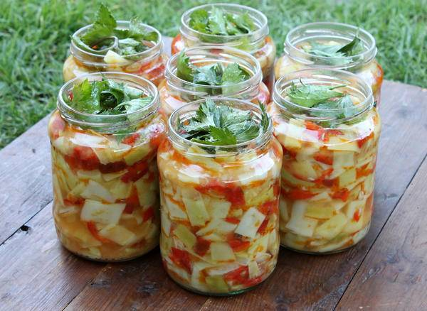 Топ 8 рецептов приготовления маринованной ранней капусты на зиму в банках