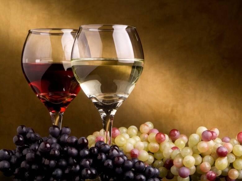 Готовим шампанское из виноградных листьев