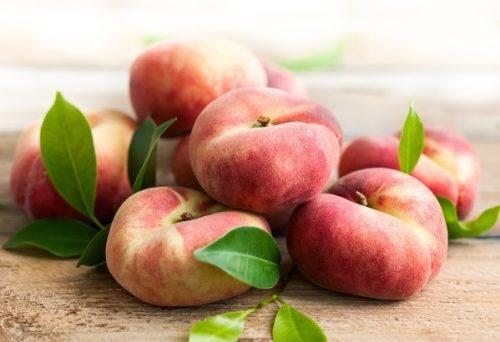 Колоновидный персик: посадка и уход