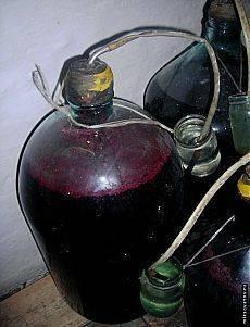 Как приготовить вкусное вино из боярышника? домашнее вино из боярышника.
