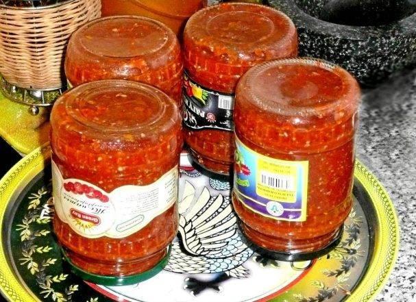 Аджика без варки на зиму. лучшие рецепты с хреном, чесноком, аспирином из помидор, перца, петрушки, сливы острая без уксуса