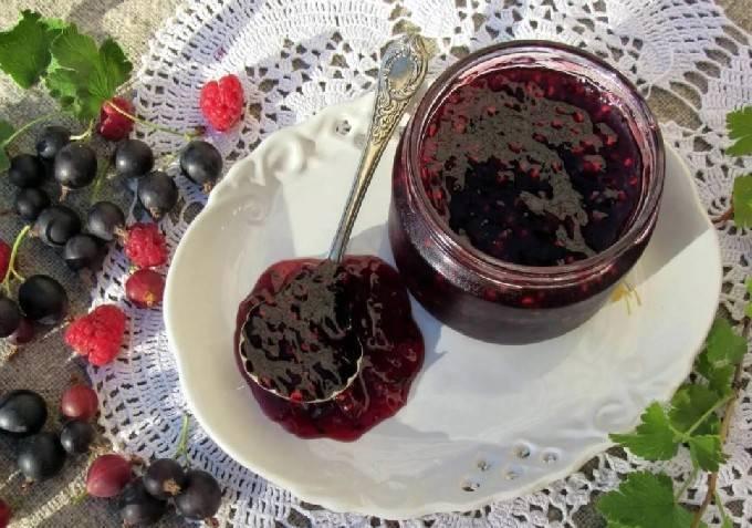 ТОП 6 простых рецептов варенья из черной смородины на зиму