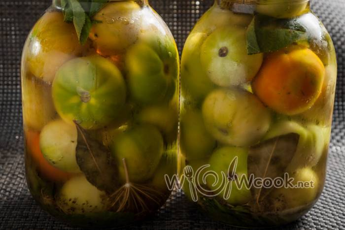 Зеленые помидоры фаршированные чесноком на зиму — 7 рецептов, пальчики оближешь!