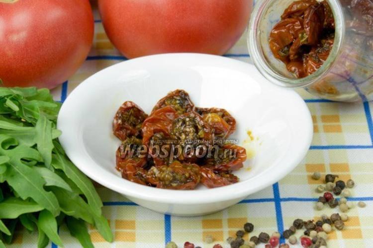 Салат из вяленых помидоров