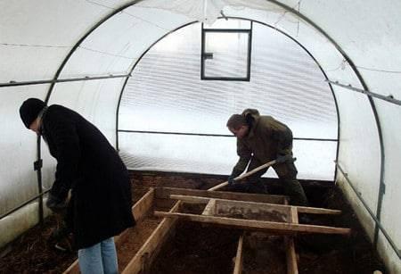 Подготовка теплицы из поликарбоната весной к посадке томатов