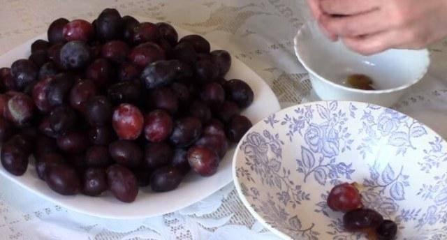 Как заготовить сливу на зиму — самые вкусные рецепты