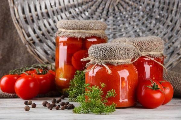 Томатная паста на зиму в домашних условиях через мясорубку или блендер. простые рецепты домашней томатной пасты с яблоками, базиликом, чесноком или перцем