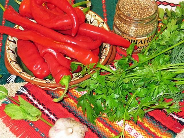 Вкусные рецепты жаренного перца на зиму: с чесноком и зеленью, с петрушкой, в масле