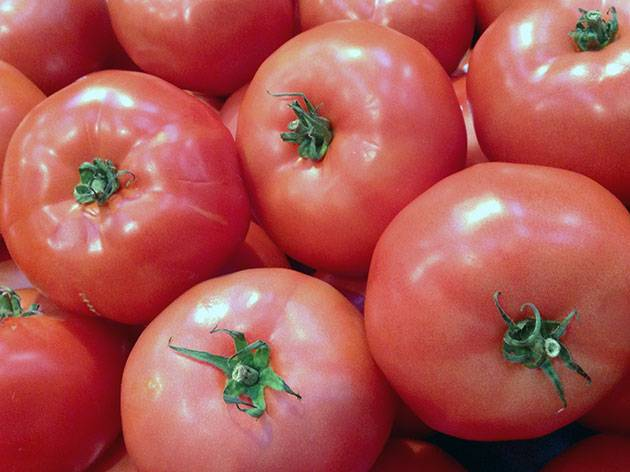 «малиновое чудо» на грядке: обзор популярной серии гибридных томатов