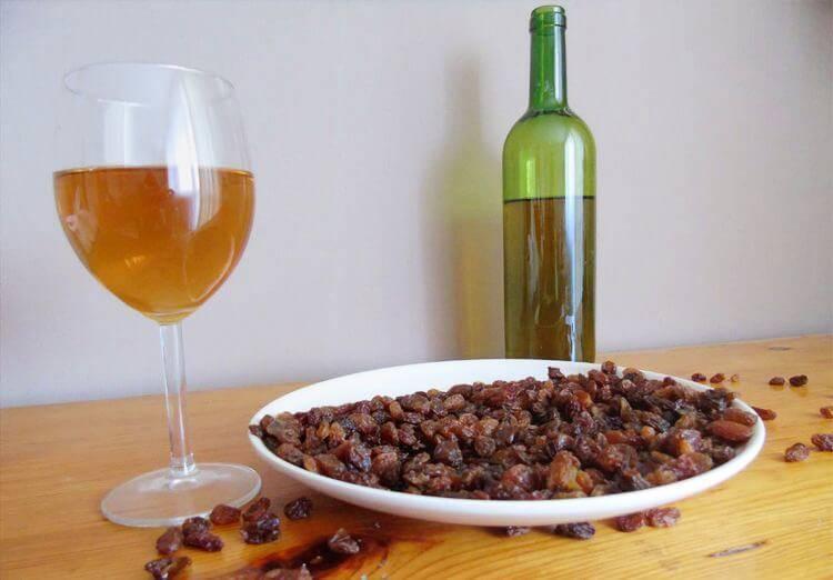 Вино из сухофруктов в домашних условиях