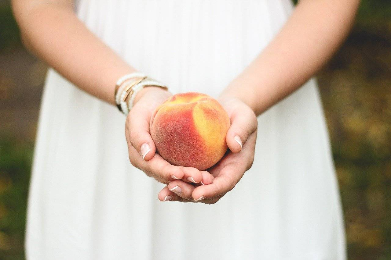Поговорим о пользе и вреде персиков для нашего с вами здоровья