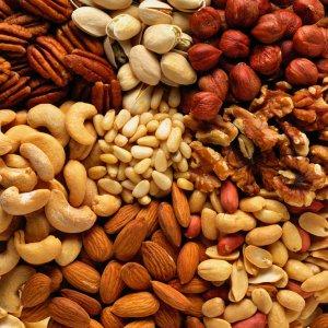 Хранение орехов разных видов