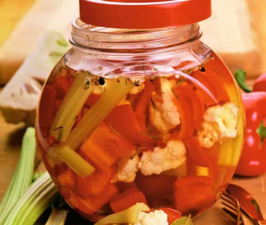 Маринованная на зиму цветная капуста — очень вкусная и хрустящая
