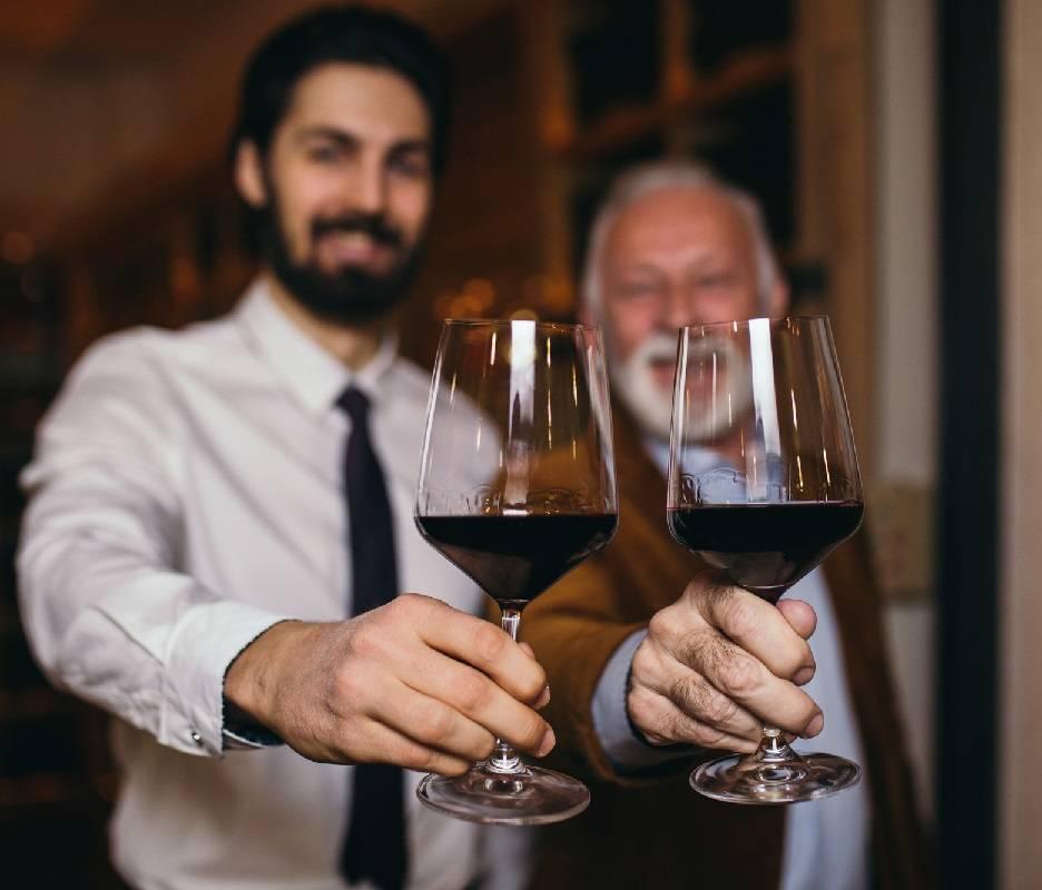 Апгрейдим ягоды: домашние вина — польза и вред