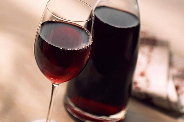 ТОП 3 рецепта, как в домашних условиях сделать полусладкое виноградное вино