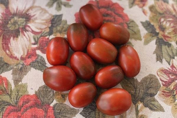 Томат сицилийский перчик: характеристика и описание сорта, его урожайность с фото