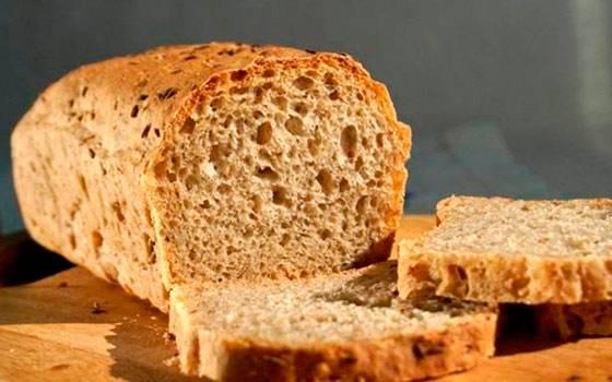 Как сделать и правильно подкормить огурцы хлебным настоем