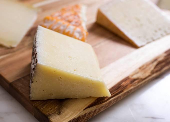 Молоко коровье: польза и вред для организма, состав, описание