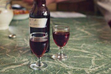 Вина и настойки из шелковицы: 5 рецептов в домашних условиях