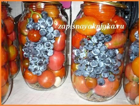 Помидоры с виноградом на зиму: рецепты консервирования с фото и видео
