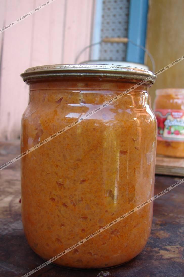 Икра из кабачков с томатной пастой и морковкой