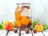 Компот из абрикосов с косточками на зиму: простые рецепты без стерилизации